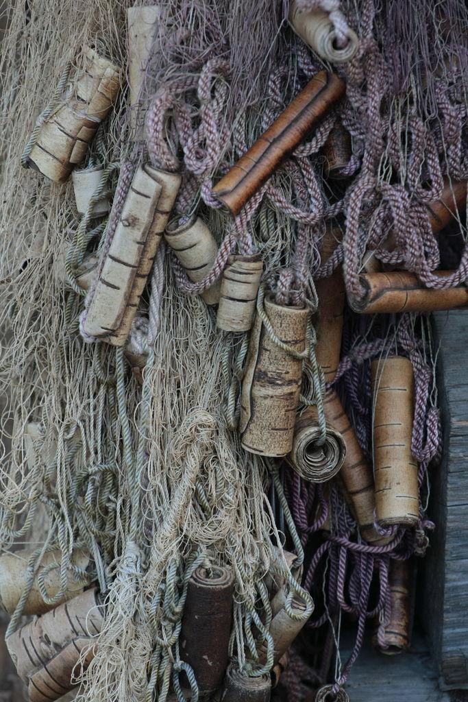 Поплавки для сетей из бересты своими руками
